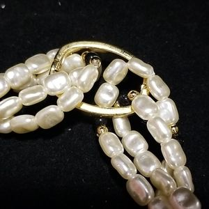 Jewelry - Womans Faux Pearl and Beaded necklace
